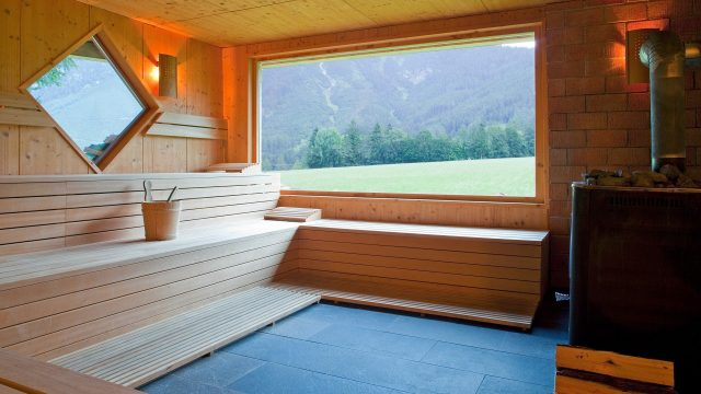 wellness sauna ruhe bio wellnesshotel holzleiten. Black Bedroom Furniture Sets. Home Design Ideas